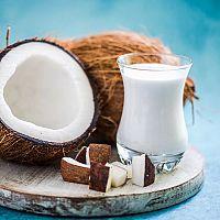 Kokosové mléko – složení, účinky a použití + recept na domácí