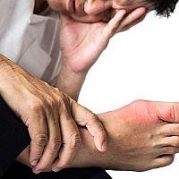 Zvýšená kyselina močová v krvi a kloubech – příznaky a léčba