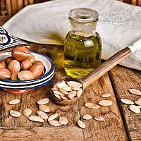Arganový olej na vlasy i obličej. Účinky, cena a zkušenosti