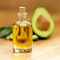 Avokádový olej – účinky, užívání a cena. Ideální na snížení cholesterolu!