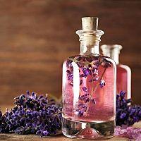 Levandulový olej – účinky, použití, výroba a cena