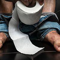 Co pomáhá na průjem? Živočišné uhlí, probiotika nebo Smecta