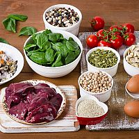 Železo jako vitamín ve stravě potřebné pro děti i těhotné. Jak se projevuje nedostatek?