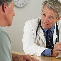 Problémy s erekcí vyřeší lékař. Diskuze mohou pomoci i uškodit