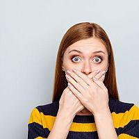 Kovový, acetonový, hnilobný nebo kyselý zápach z úst? Jsou příčinou mandle?