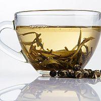 Bílý čaj na pleť, výborný na akné. Zkušenosti říkají ano