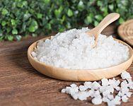 Epsomská sůl (hořká sůl) – použití na akné, vlasy i hubnutí